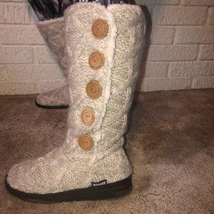 Mukluks tall cream knit button boots 8